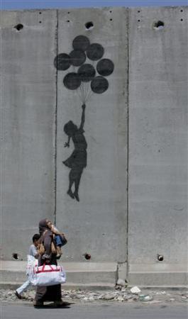 Duvarla ayrılan hayatlar