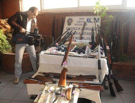Silah kaçakçılarına büyük vurgun