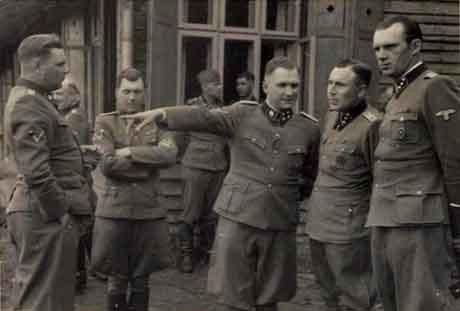 Auschwitzin hiç yayınlanmamış fotoğrafları