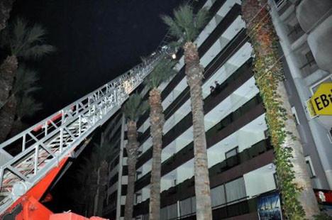 İzmirde otel yangını