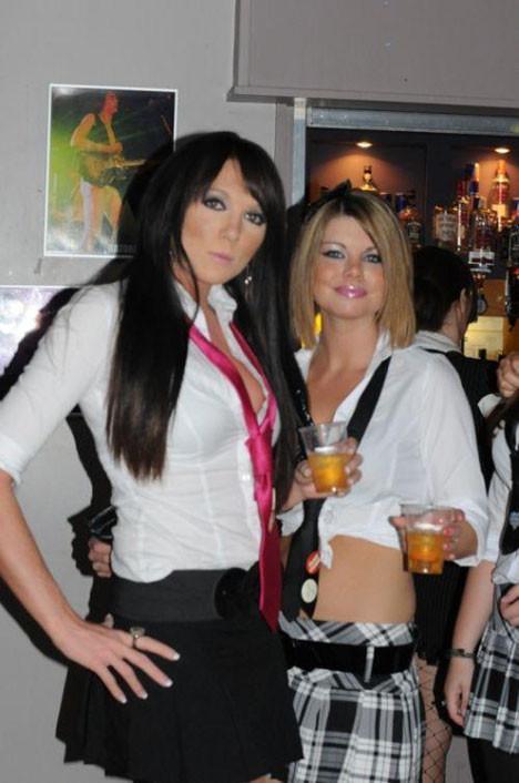Liseli sarhoş kızlar