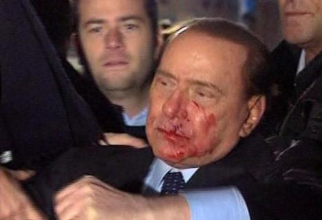 Berlusconi in suratını neden dağıttı ?