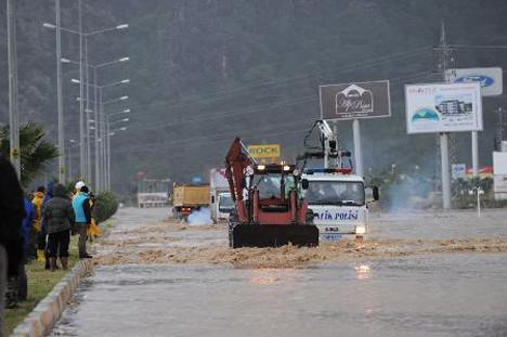 Sel sularında can pazarı