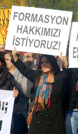 Rektörü protesto ettiler