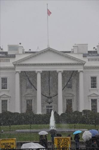 Beyaz Saray bembeyaz!