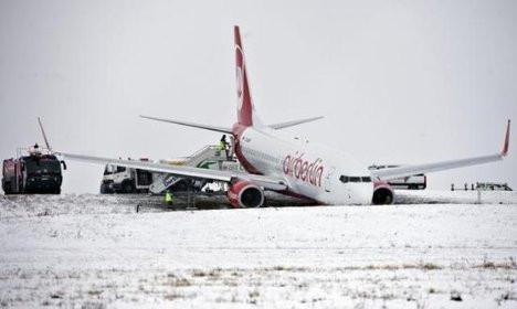 Almanyada uçak pistten çıktı