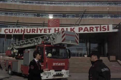 CHP binasında intihar girişimi