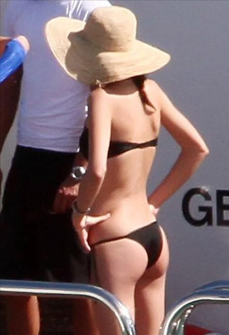 Miranda Kerr tatilde