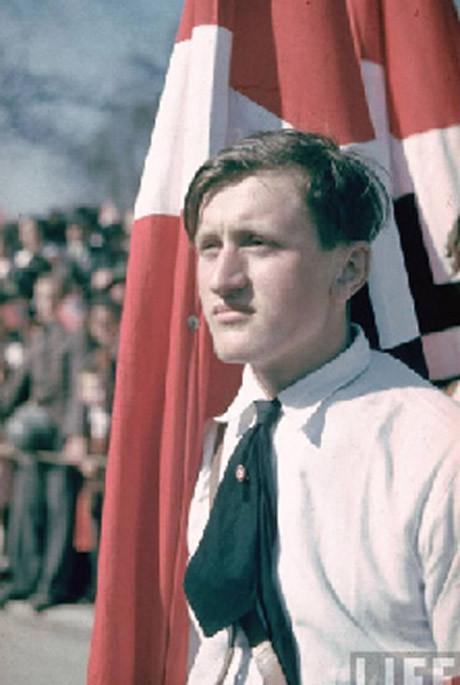 Nazi fotoğrafları renklendirildi
