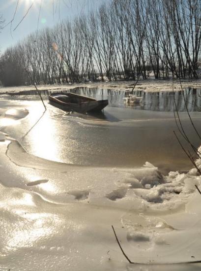 Tunca nehri buz tuttu