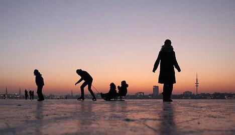 Alster Gölü donunca
