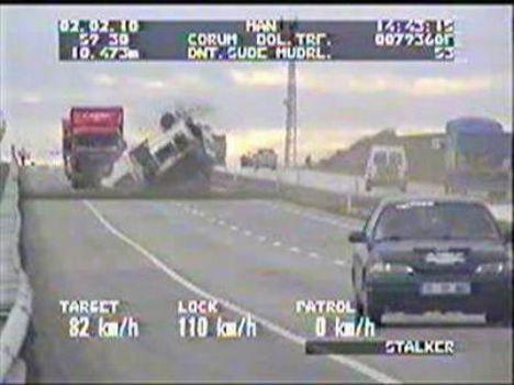 Kaza anını radar kamerası görüntüledi