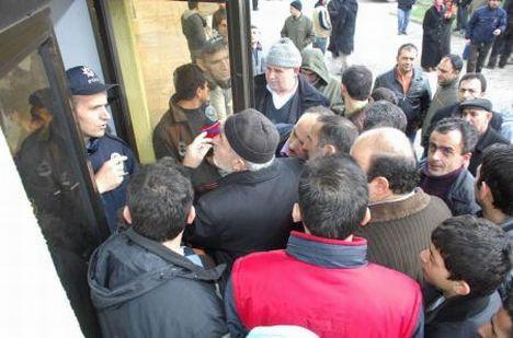İnegöl'de Cübbeli Ahmet Hoca izdihamı