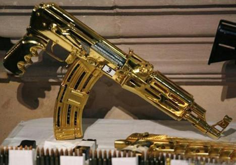 Uyuşturucu kralının altın silahları
