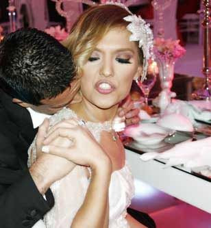 Demetin düğününden ilginç kareler