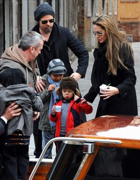 Angelina ın yüzüne ne oldu?