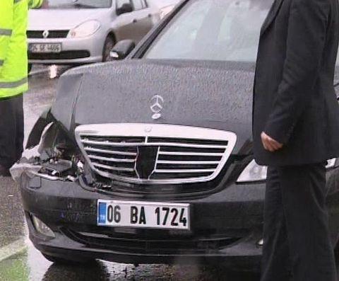 Arınçın aracı kaza yaptı