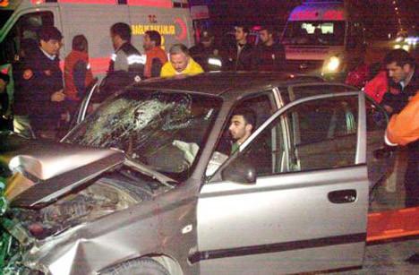 Üniversiteli gençler kaza yaptı