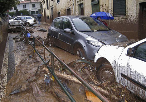 Portekizde sel faciası