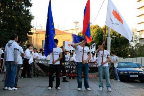 Sözde Ermeni soykırımını kabul edenler