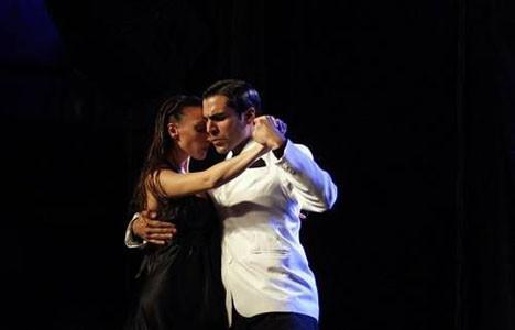 Aşkın dansı tango