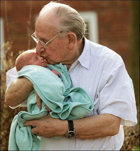 Dünyanın en yaşlı babası