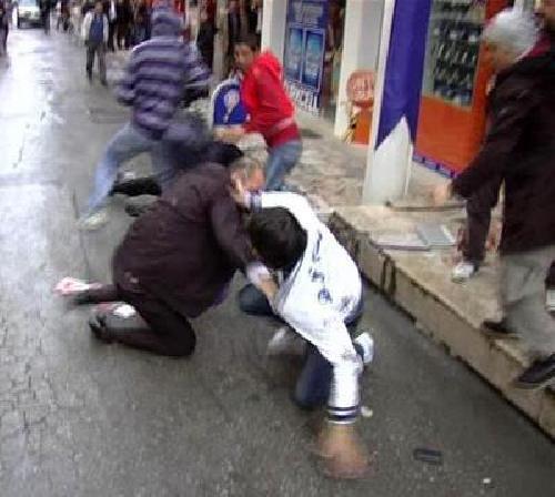 Dergi satan gençler gazi dövdü !