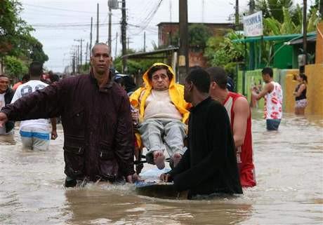 Aşırı yağış 95 can aldı