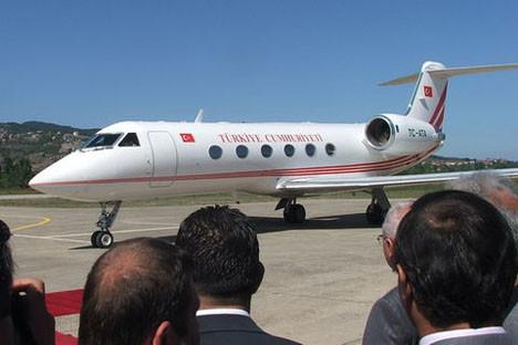 Devlet adamlarını taşıyan uçaklar