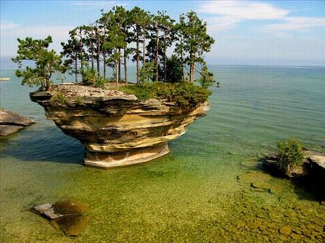 Sıra dışı bir ada