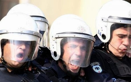 Polisten 1 Mayıs hazırlığı