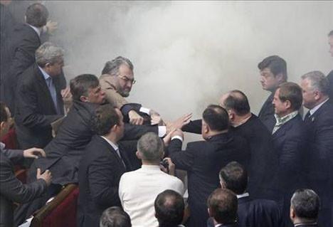 Parlamentoya sis bombası
