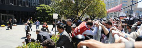 TEKEL işçilerinin saldırısına uğradı