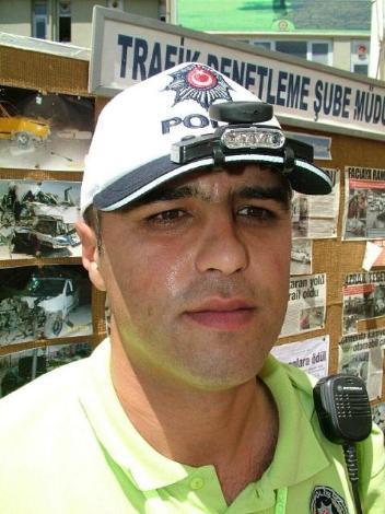 Polis şapkasına kamera
