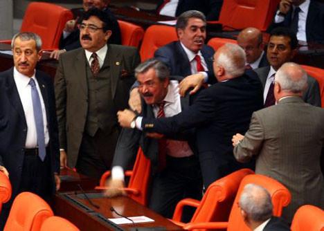 AKPli vekil çıldırdı