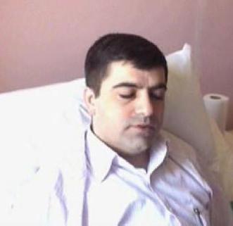 Genç doktora bıçaklı saldırı