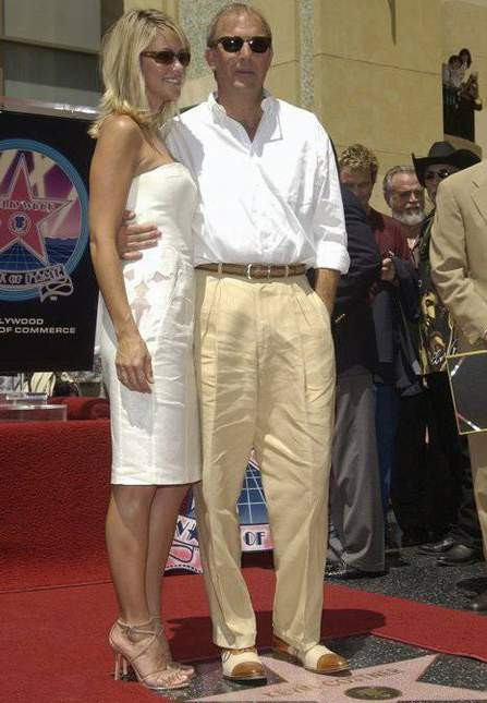 Kevin Costner eşine hayran..