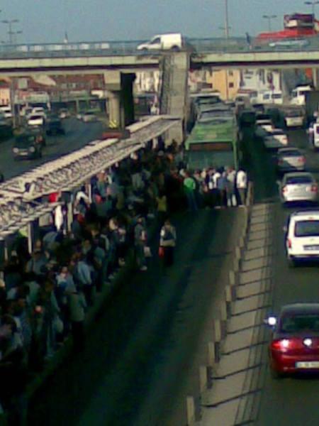 Metrobüste isyan çıktı