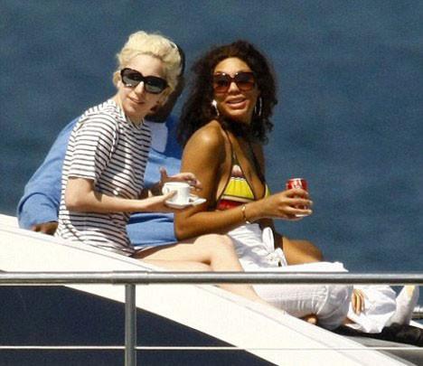 Lady Gaganın tekne kaçamağı