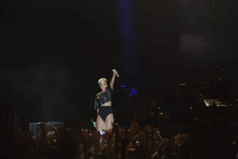 Rihanna konserinden kareler