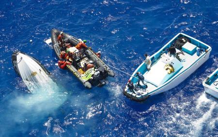 Greenpeacecilere balıkçı saldırısı