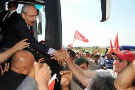 Kılıçdaroğlu halkla iç içe