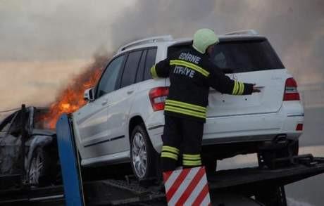 Mercedesler alev alev yandı