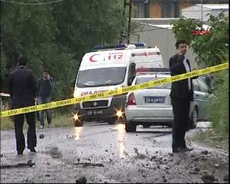 İstanbulda polise bombalı saldırı