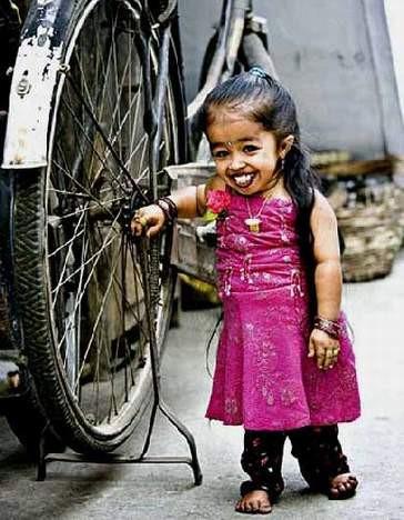İşte dünyanın en küçük kadını