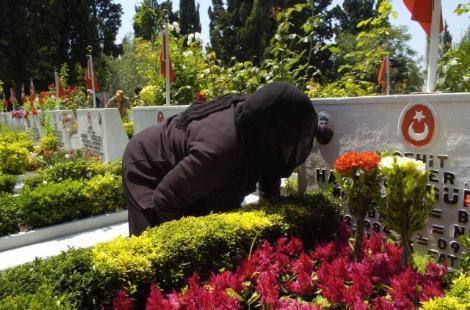 Şehit cenazesinde babalar günü