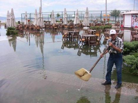İzmir bir saatte Venedike döndü