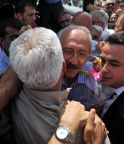 Kılıçdaroğlu Antalyada böyle karşılandı