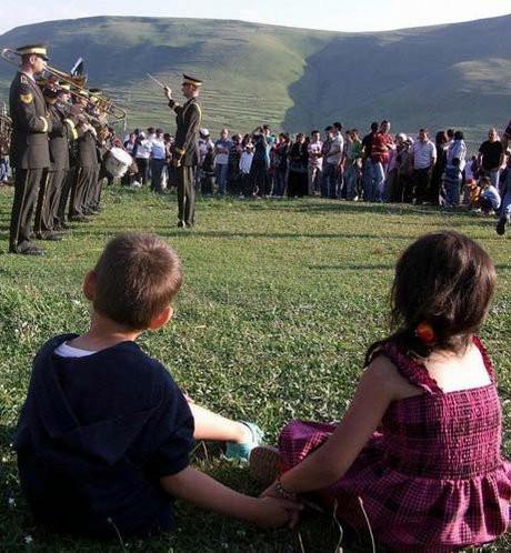 Atatürk silüeti için toplandılar