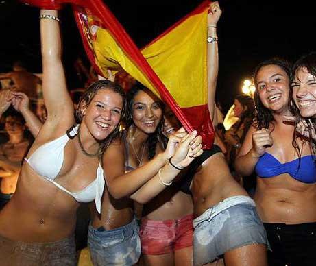 İspanyol kızlar çıldırdı